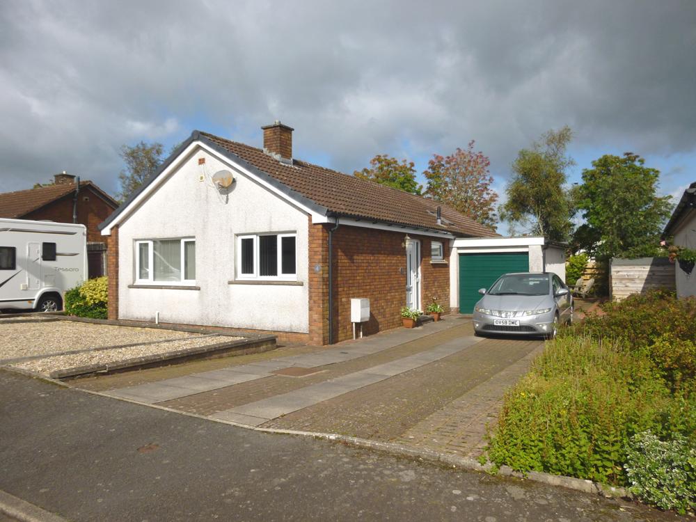 4 Argyll Drive, Heathhall, Dumfries, DG1 3SU - Pollock and McLean