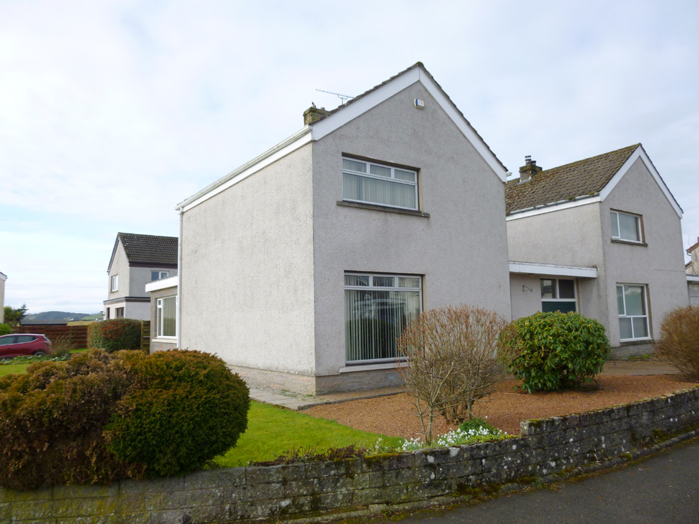 4 Woodlands Court, Newbridge, Dumfries, DG2 0LE - Pollock and McLean
