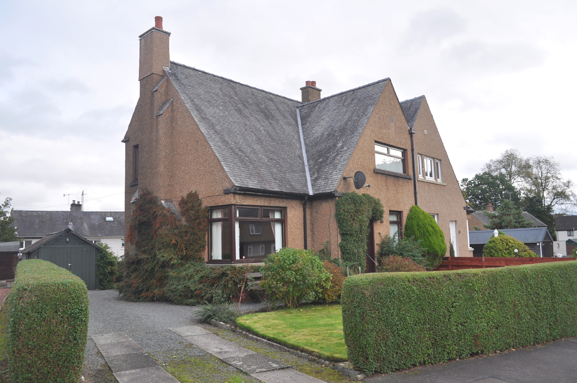 4 Muirhall Road, Thornhill, DG3 5NT - Pollock and McLean